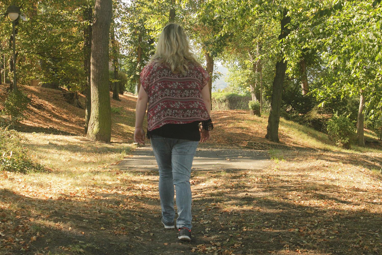 Spazieren gehen wurde für Theresa durch ihre Panikstörung unmöglich. Foto: Jessica Hanack
